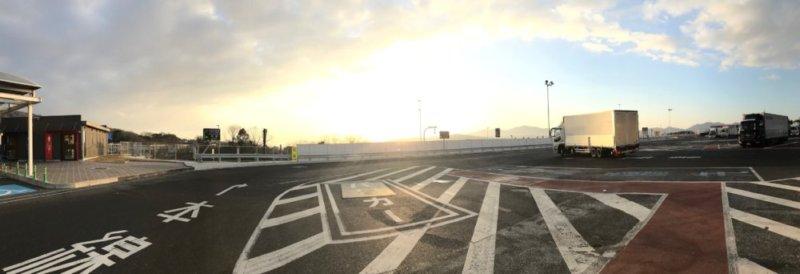 金時山辺りのパーキングエリアの日の出